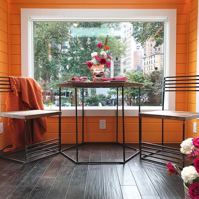 Inside @newfrontiertinyhomes' 275 square foot home. This is the House that Runs on @Dunkin as it is completely powered by a coffee biofuel made from recycled Dunkin coffee grinds. On display at @madsqparknyc #nyc #tinyhouse #architecture
