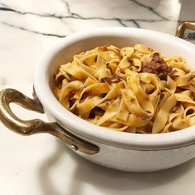 Nothing beats a bowl of fresh pasta 🍝 on a rainy day. This is Tagliatelle with veal and prosciutto from Eataly's Il Pastaio. Enjoy a 2-course lunch for only $18 @eatalyflatiron #eatalyrestaurantfest #italianfood #pasta #lunch #nyc #newforkcity #nyceats #comfortfood