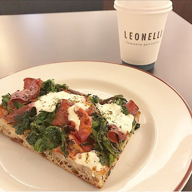 Soppressata focaccia with rapini and stracciatella from @leonellinyc at The Evelyn hotel in the Flatiron District /Nomad #nyceats  #italianfood #yummy #lunch #nyc #newforkcity