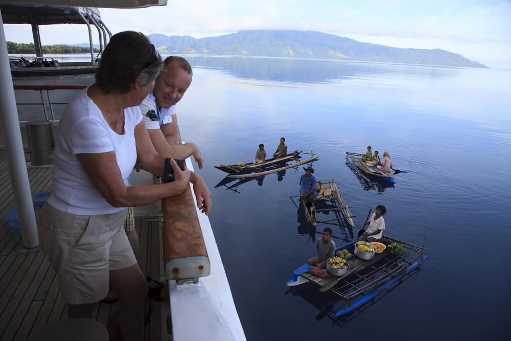 Canoes-in-PNG-image-gallery.jpg