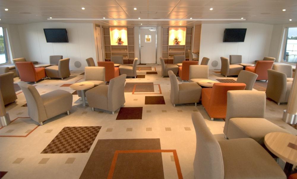 Oceanic-Discoverer-lounge-image-gallery1.jpg