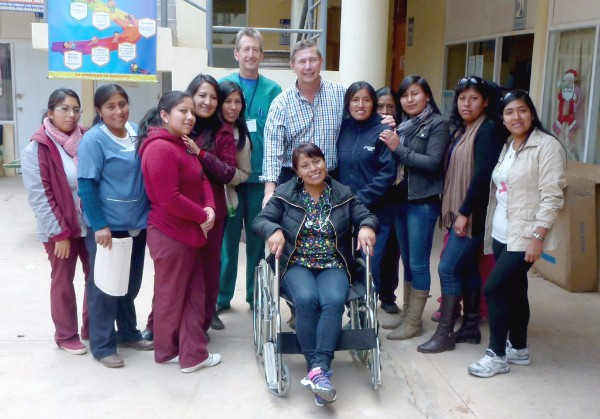 Dr Scott Fifeld & Dr Phil Gribble with local clinic workers in Peru