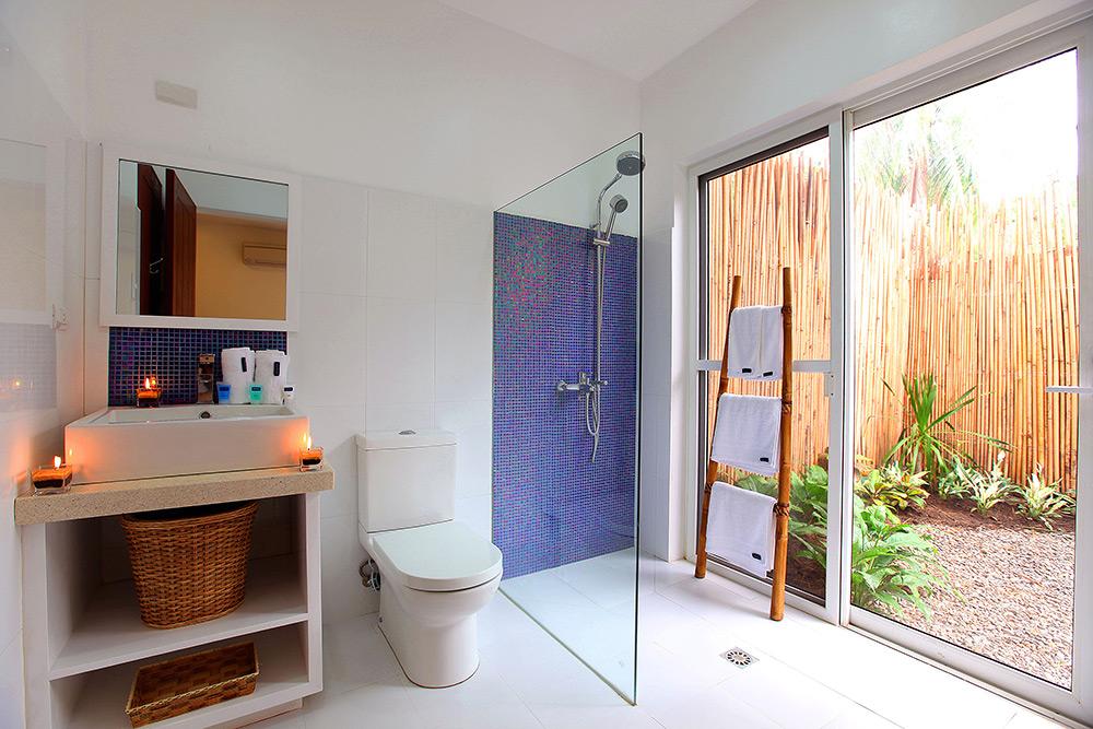 Garden-Apartment-bathroom2.jpg