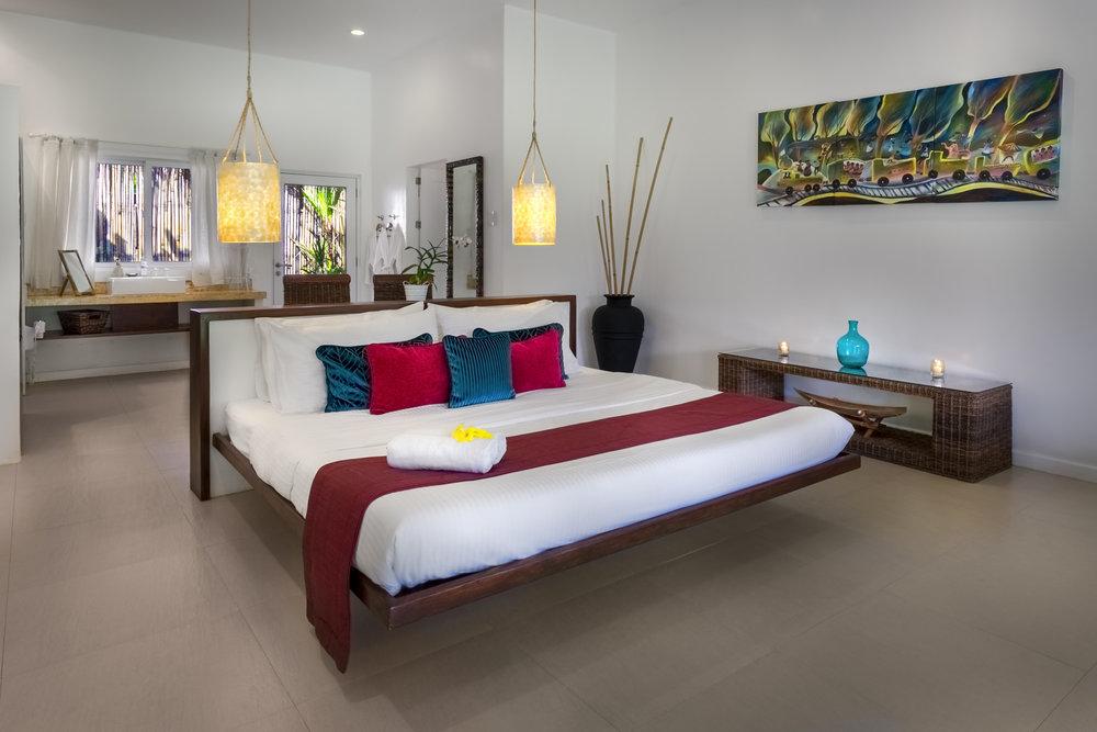 Deluxe-suite-room.jpg