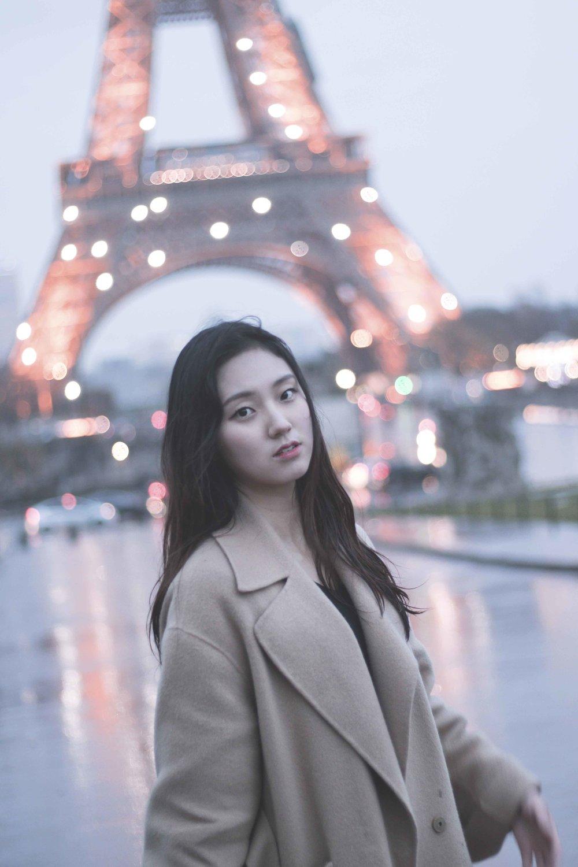 나 홀로 훌쩍 떠나는 감성 여행,셀카대신 스프라찌와 함께 더욱 특별하게 기억하는 당신의 여행. - by Sein, Paris