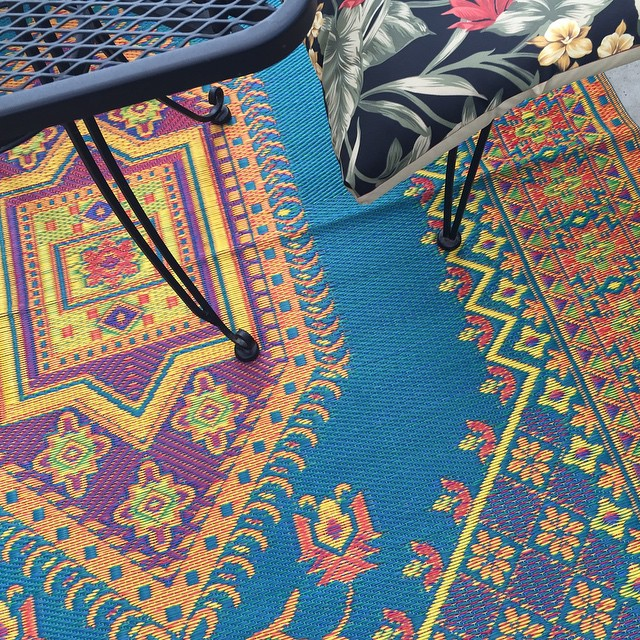 "Loving my new #madmats outdoor rug @zingaratrading ""It really ties the room together."" #fairtrade #ecofriendly #recycled"