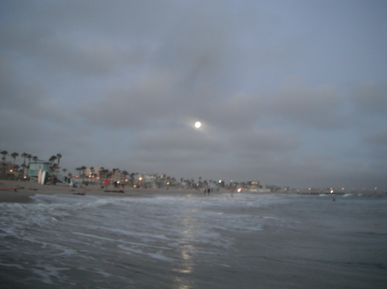 Supermoon Rises Over the Surf It was a warm evening in Venice with an even warmer ocean.