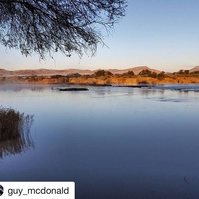 #Repost @guy_mcdonald (@get_repost) ・・・ Sunrise over the Orange River brings a faint fog as the warmer water energizes an icy cold atmosphere. Reflections inspire introspection before heading into another day in Africa. #waschbank #waschbankriverlodge