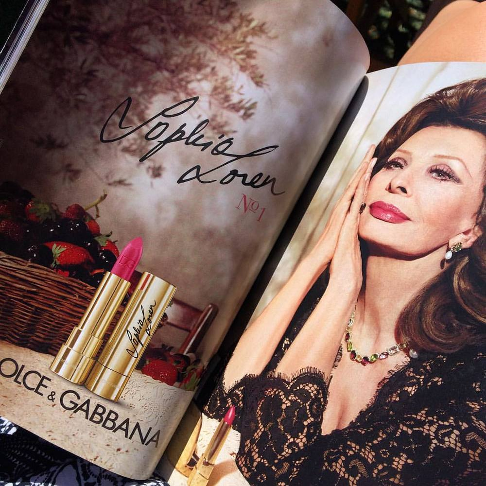 Sofia Loren for @dolcegabbana In U.S. @voguemagazine. She's still got it! Che bella donna!! ♥️