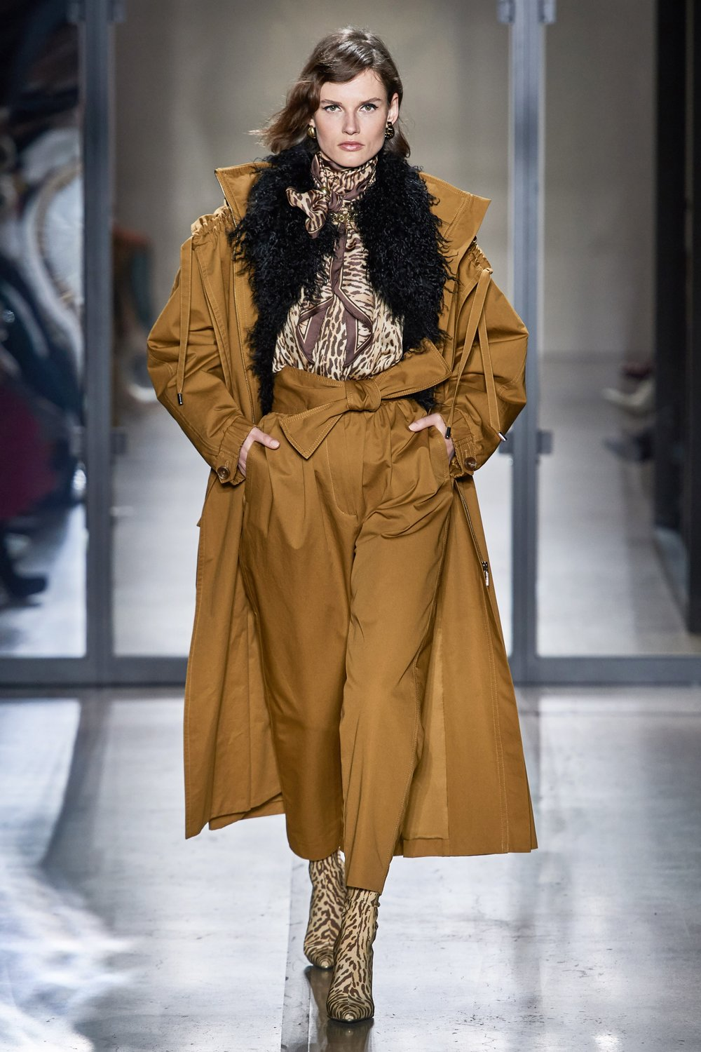 Paper Bag or Stovepipe pant - Casual and tailored - Zimmermann