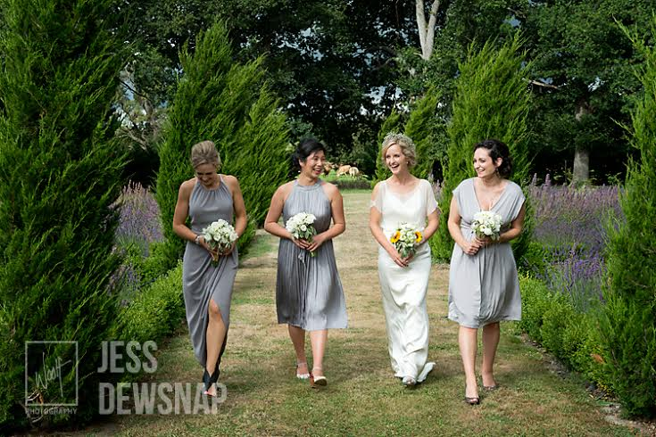hannah-and-johnny-wedding-outside-bridesmaids2-blog-Lacewood-woolf-photography-2016-11.jpg