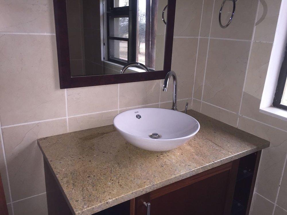 3rd bathroom 2.jpg