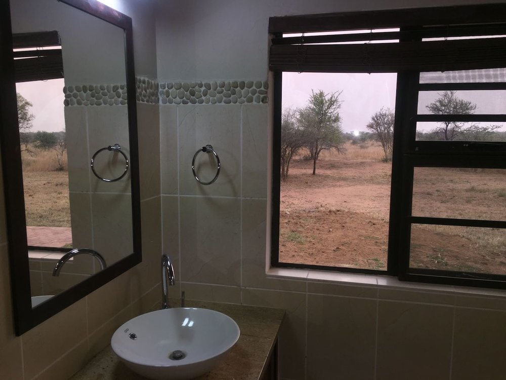 3rd bathroom 5.jpg