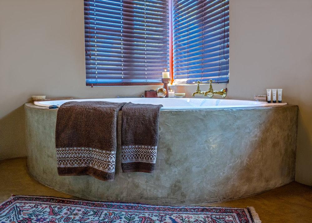 42 Main-Bath.jpg