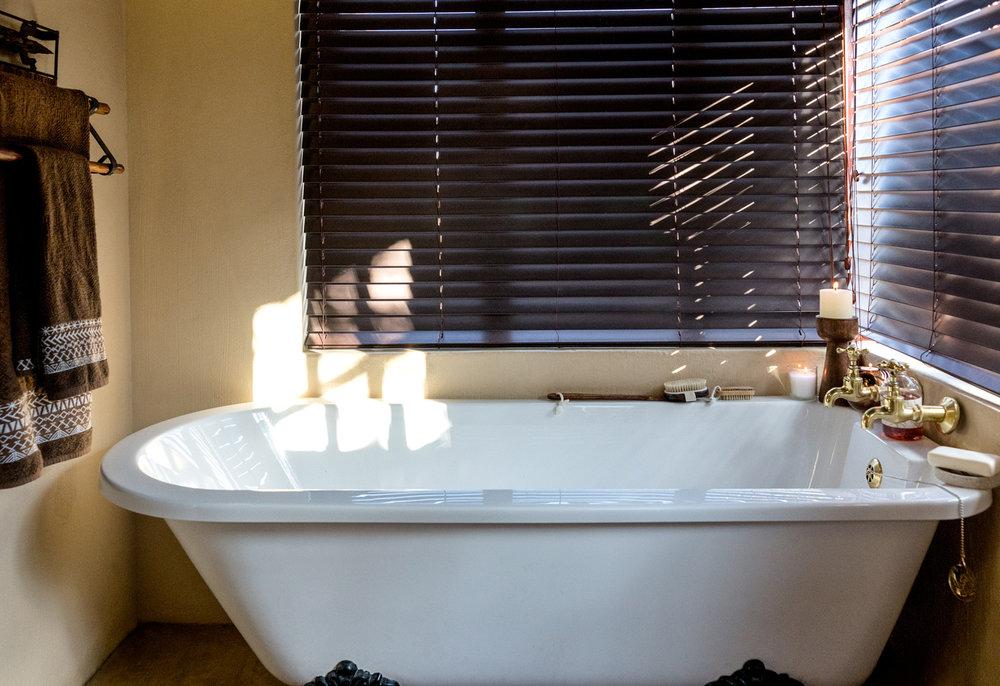 63 Right-Chalet-Bath.jpg
