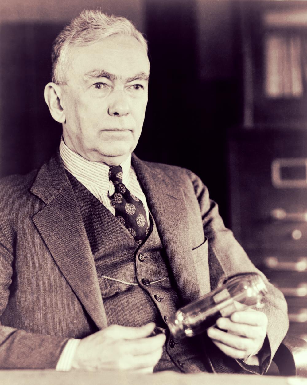Frank Conrad (1874-1941), radio pionier, die voor het eerst uitzond in 1916.