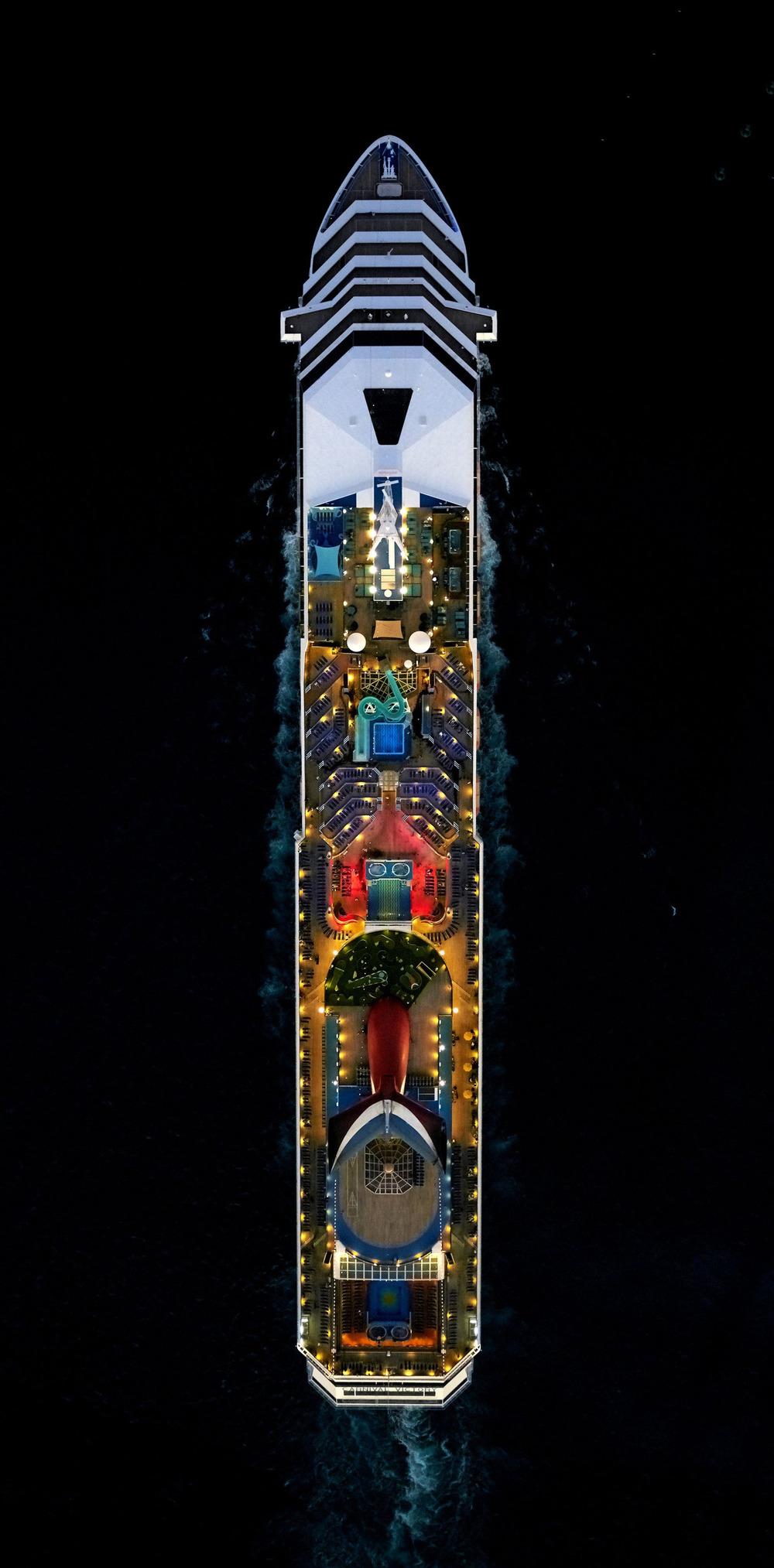 Cruise-ships-4.jpg
