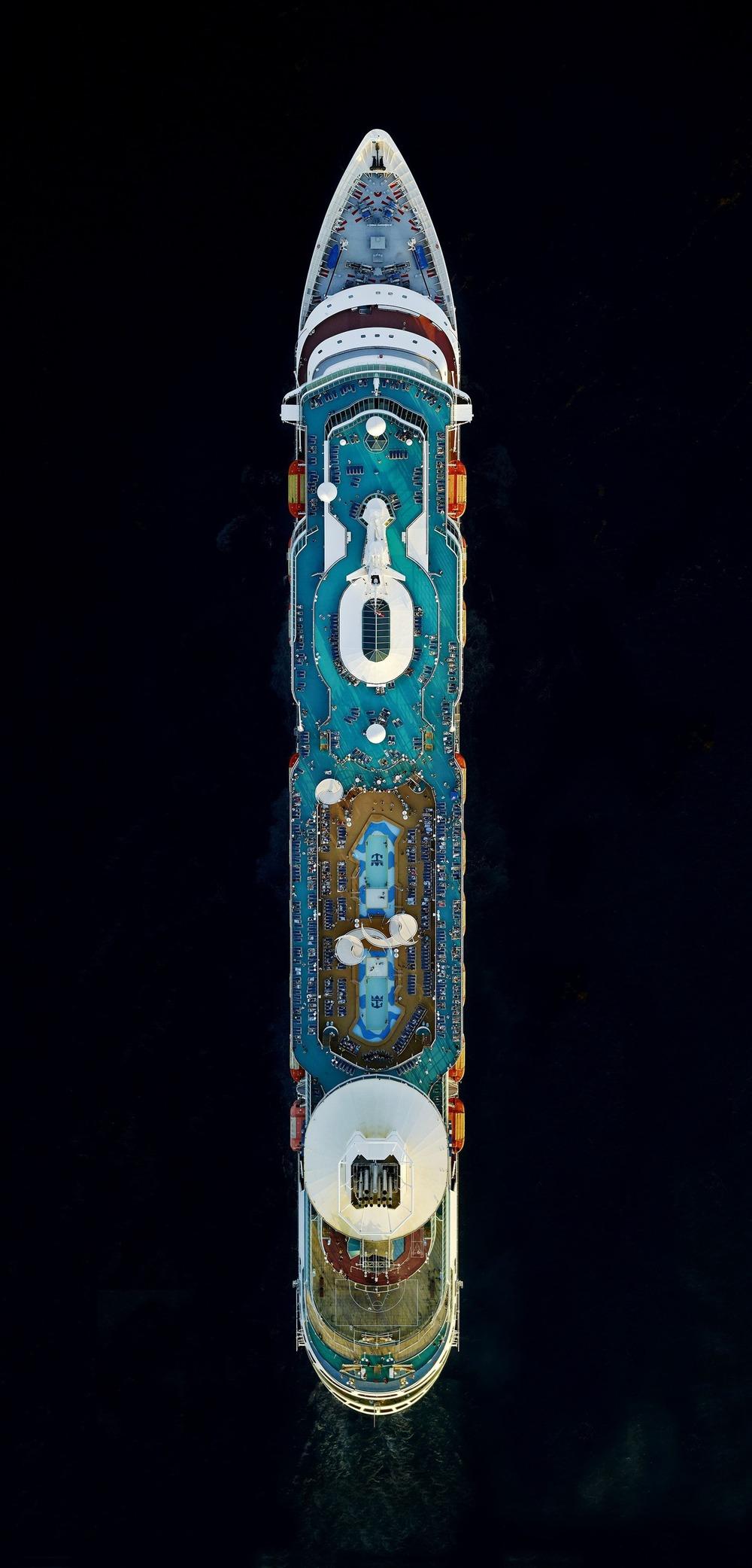 Cruise-ships-5.jpg