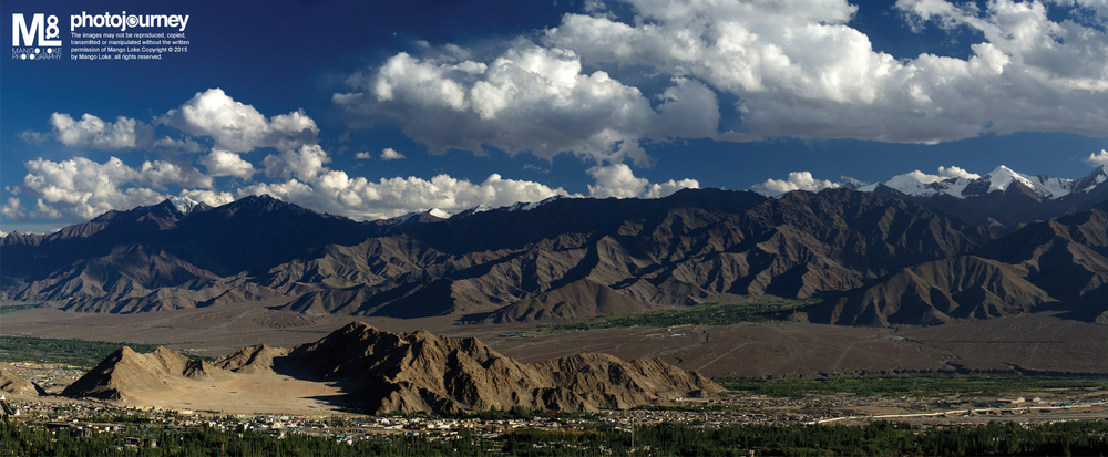 A Panorama view of Leh, Ladakh, India.  我朋友说,当他老了,他会考虑到这里退休安度余生.