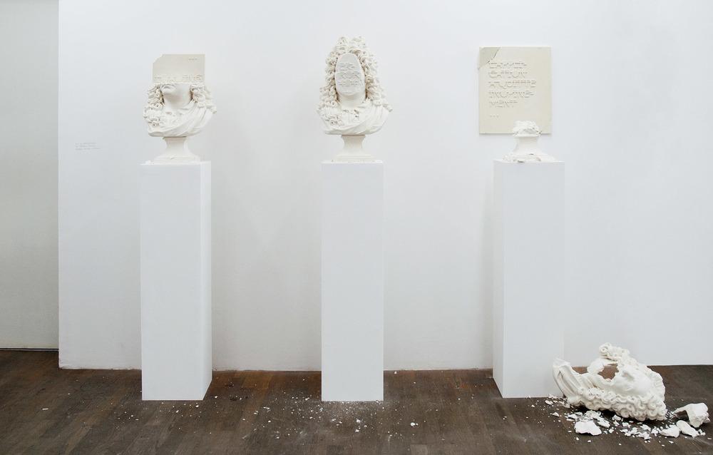 Sans titre (LOADING...), 2012. / Sans titre (ERROR 404...), 2012. / Sans titre (L'APPLICATION A QUITTÉ INOPINÉMENT...), 2012