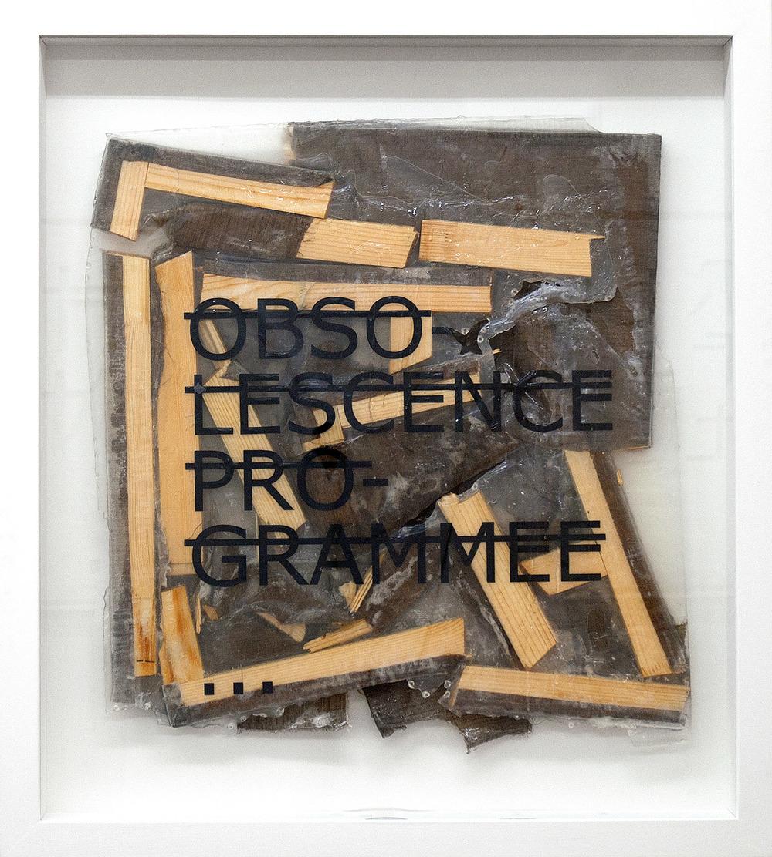 Sans titre (OBSOLESCENCE PROGRAMMEE...), 2012