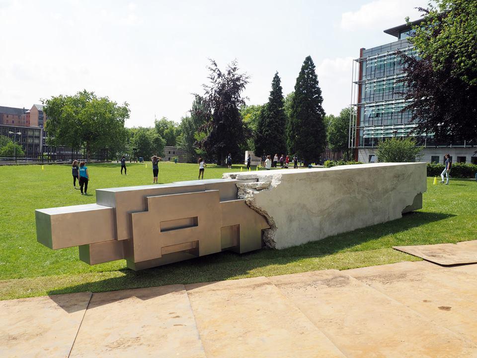 Sculpture in situ. Béton \ concrete. Asphalte, Biennale de Charleroi, Belgique \ Charleroi Biennale, Belgium, 2014.