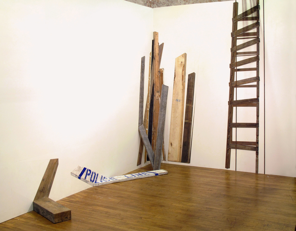 Vue de l'installation \ Installation view, 2013. Bois trouvé et contre-plaqué peint \ found wood and painted plywood. Dimensions variables. VOLTA fair, New York