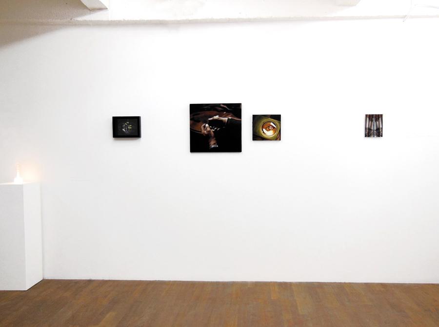 AURORE PALLET   La fenêtre d'acquisition \ the acquisition window, 2012; Aucune trame \ No weft, 2011   Agrandir \ Enlarge, 2012; Les rideaux \ The curtains, 2012