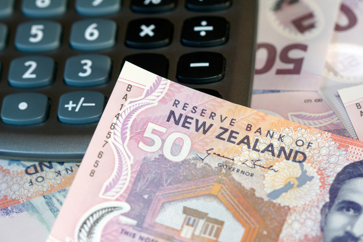 New-Zealand-Currency-and-Calculator.jpg