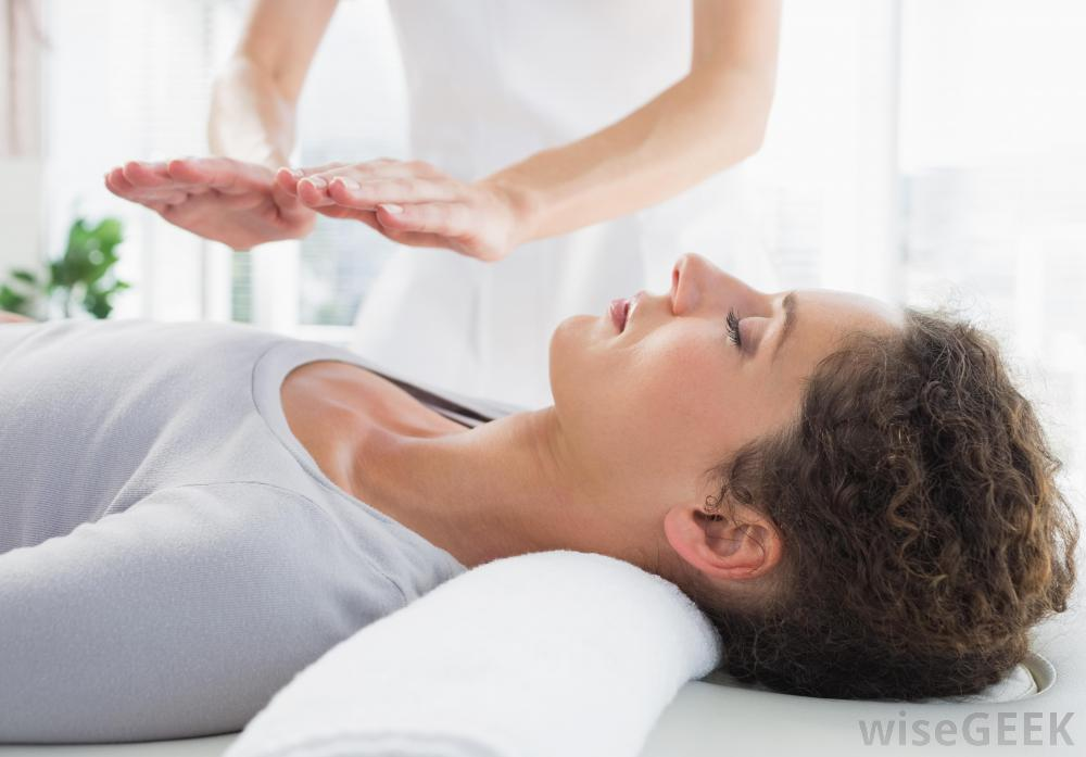 woman-getting-reiki.jpg