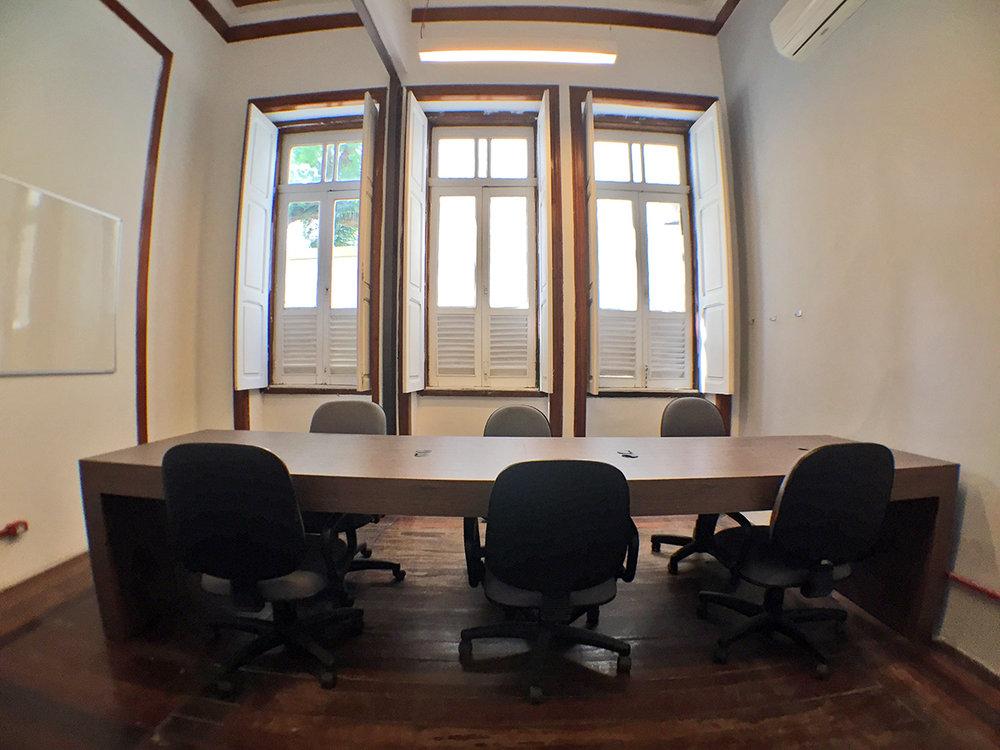 Sem Burocracia - No Space você não precisa se preocupar com limpeza, luz, água, internet, IPTU ou fiador. Nós cuidamos de tudo para que você possa focar somente em fazer seu negócio decolar.