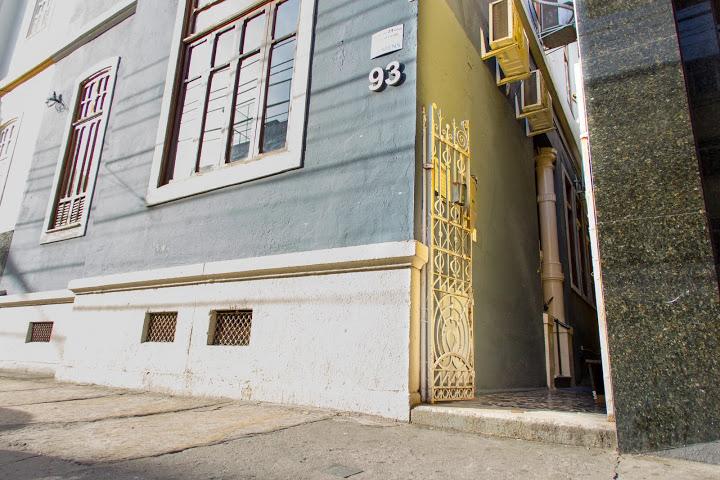 Excelente Localização - Estamos em um casarão em Botafogo, na Zona Sul do Rio, próximos ao Metrô, Bike Rio e diversas linhas de ônibus. Mobilidade para você e seus colaboradores além de praticidade para seus convidados.