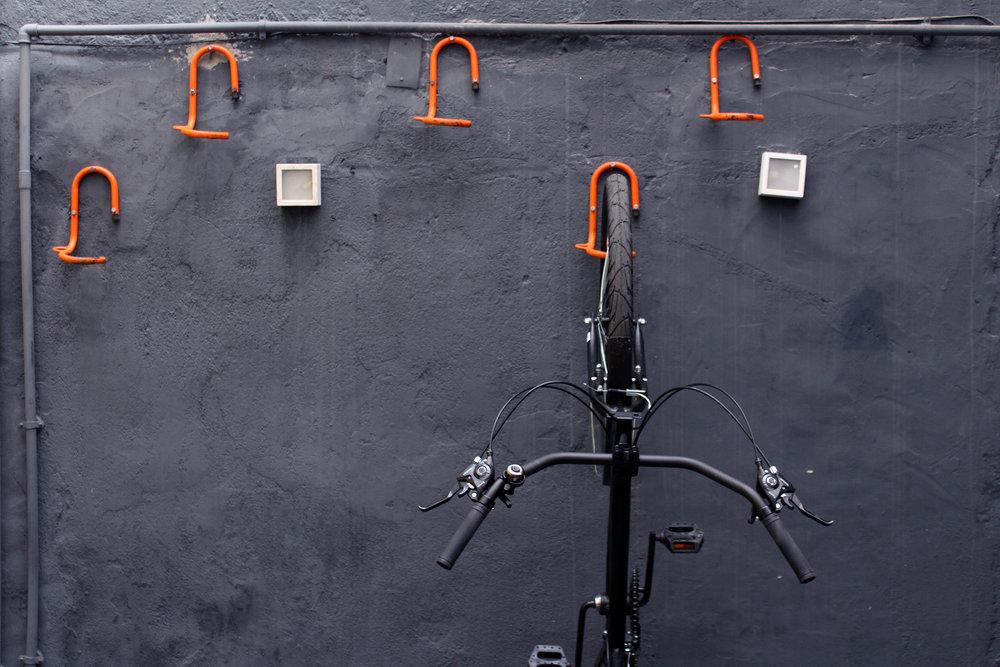 Bicicletário - A turma do pedal tem espaço reservado: oferecemos bicicletário e as ferramentas certas para deixar a bike voando. Além disso Estação Bike Rio disponível ao final da rua para aqueles que investem em otimização de tempo e mobilidade urbana.