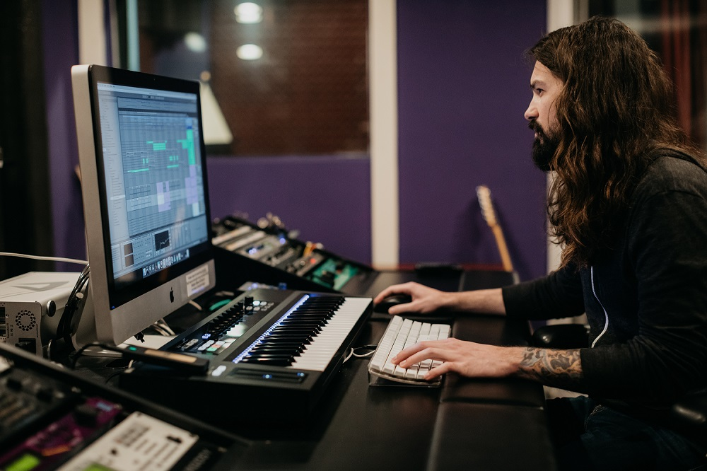 Electronic Music Producer Program Online.jpg