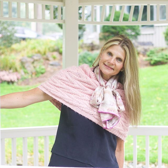 All of the pink + all of the layers. Tap the photo to shop the Marshmallow Silk Print Scarf in this layered look. #GOBLE . . . #pink #prettyinpink #infinity #scard #layers #layersonlayers #fallfashion #lotd #ootd #outfitinspo #accessorylover #lookoftheday #shopaholic #instastyle #torontofashion #fashionaddict #canadiandesigner #londonontario #scarfoftheday