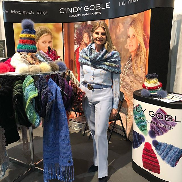 I'm excited for Day 3 at the One of a Kind Show in Toronto. So many beautiful things, so little time! Great Christmas gift ideas. Stop by my Booth P26 I'm here till 11 pm! #GOBLE #handknithats #handknitscarves #ooak18 #oneofakind #Christmasshopping #giftideas #latenightshopping