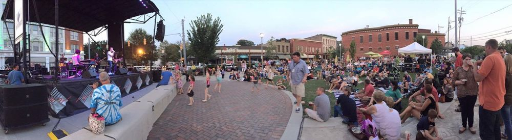 The crowd enjoys the final concert of the season at Bicentennial Park.