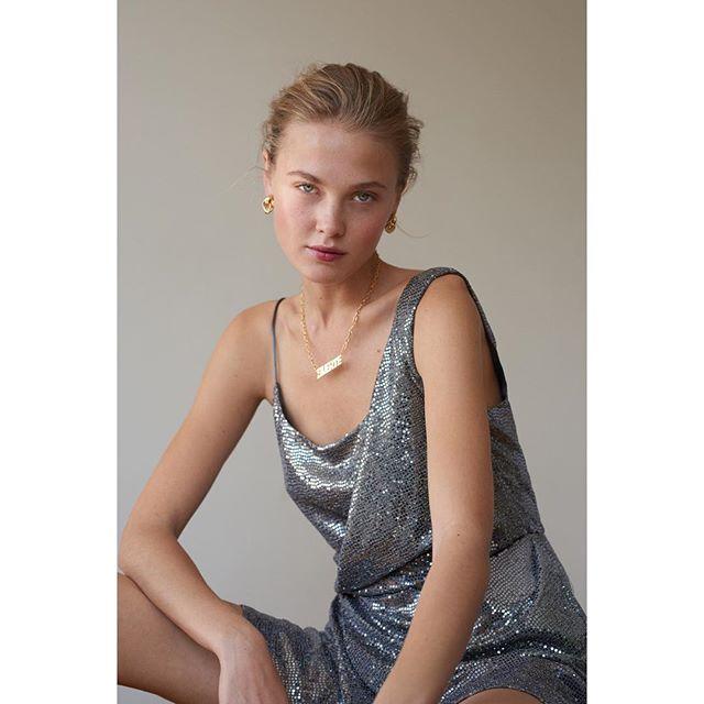 ¡ Suerte ! 🔥@meowmag @oliviameza ¡ Feliz Viernes ! Una historia de moda con [ un equipo de chicas talentosas que viven del otro lado del mundo ] 🇲🇽 🇷🇺 🇪🇸 🇫🇷 #editorial #fashionstory • Photographer @chloeromeyer #quickassphotographer • Babe @_katefeo @karinmodels_official • Styled by me #leblogdeladuchesse #fashionstylist #livinginbarcelona • Featuring @kriziarobustella #suerte @sage.ltd #emergingdesigners • Hair & Make-up @christelleminbourg • Manicurist @suevamua #gangdefilles #teamwork . . . . . #felizviernes #happyfriday #igersparis #igersbarcelona #picoftheday #instastyling #instalove #edito