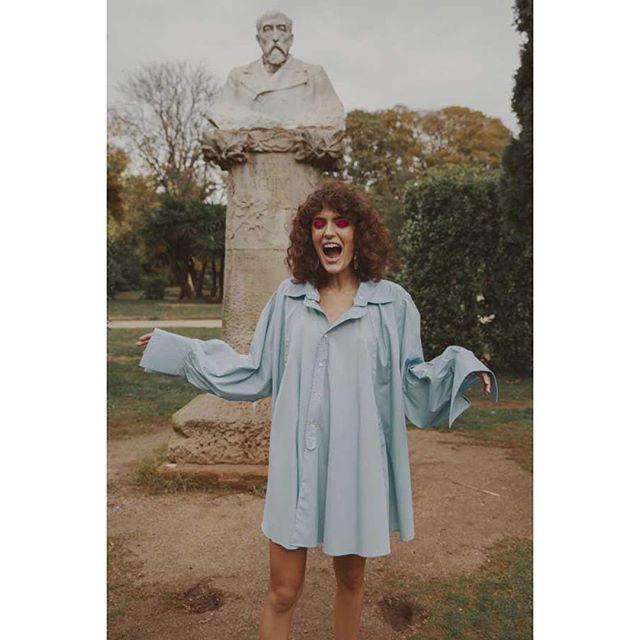 Back Home ! 💥 #Barcelona • Spanish Gardens #fashionstory for @lovesomemagazine #indiemagazine #editorial • Photographer @clarasgui 🙌🏻 • Mega Babe @mariona_bs @fifthmodels #catalangirl #goodvibesonly • Styled by me #leblogdeladuchesse #fashionstylist #parisienne • Dressed in @ynesuelves @dctcomunicacionfashionagency @claudia__carbajal #emergingdesigners #madeinspain #spanishvibes • Hair & Make-up @rosafedz #thinkpink . . . . . #bcn #igersparis #igersbarcelona #tropdelove #lotsoflove #happy2019 #instastyling #minimaloutfit