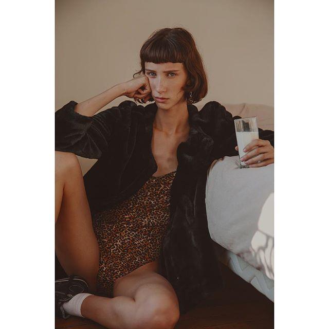 Sasha ✨ #gosee @sashaknysh_omg @women360paris in Arcueil, surrounded by African Art and sweet vibes • Shot by @clarasgui • Styled by me #leblogdeladuchesse #fashionstylist #parisienne living in #Barcelona . . . . #dreamteam #goodnight🌙 #leopardprint #girlboss #instastyling #ootd #crankyface #igersparis #igersbarcelona #moody #barcelonamylove