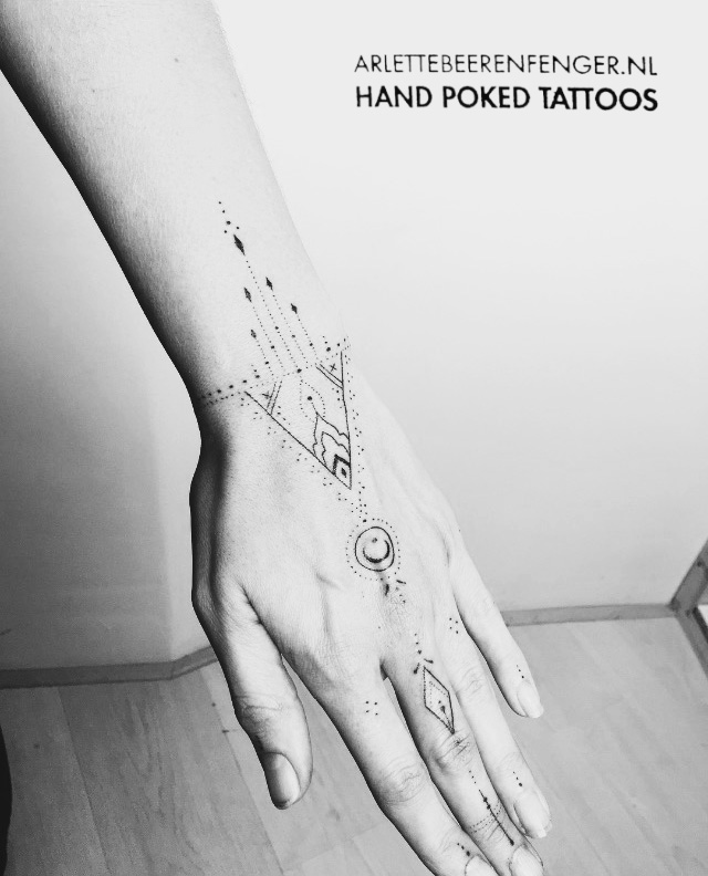 hand3.jpg