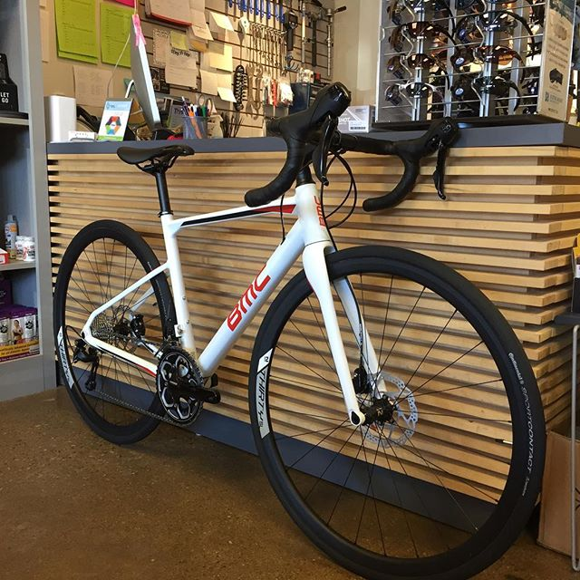 BMC Roadmachine 03 is SWEET!  Affordable do everything bike, come check it out @levelmultisport #bmcroadmachine #gravelbike #michigan #birmingham