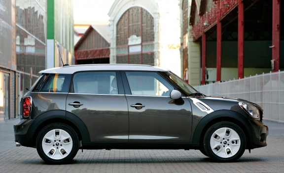 2011_mini_cooper_countryman_11_cd_gallery.jpg