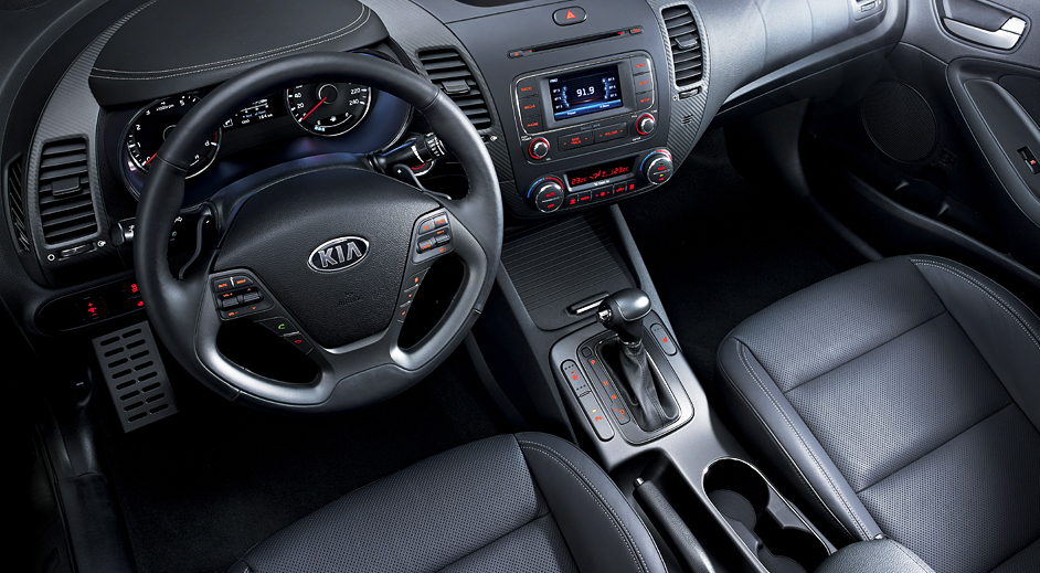 05-Kia-Cerato-5door-Interior.jpg