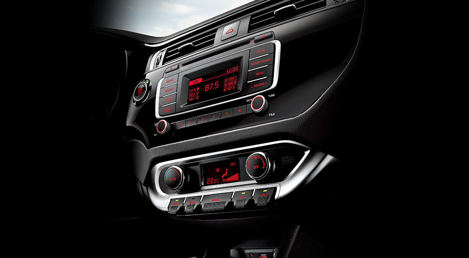 kia-rio-5-door-interior-center-fascia.jpg
