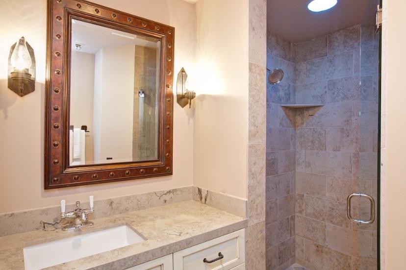 Bunkhouse Colony 29 Bathroom