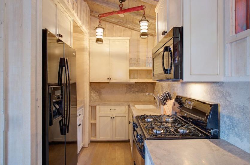 Bunkhouse Colony 29 Kitchen