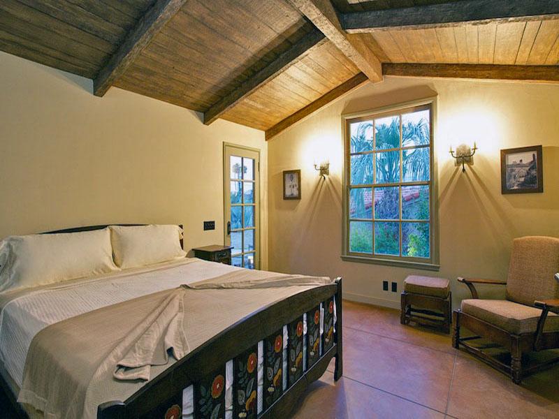 A 143 Bedroom 2.jpg