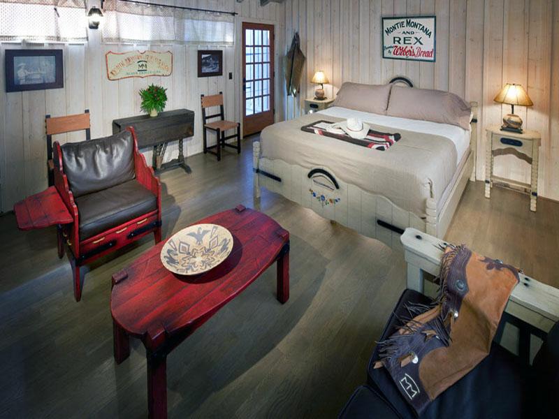 Bunkhouse Colony 29 Interior