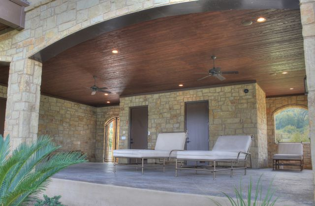 Waterside_Drive - patio 1.jpg